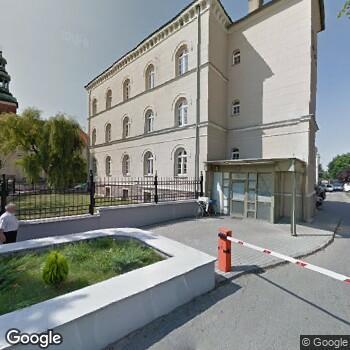 Widok z ulicy Szpital Pomnik Chrztu Polski
