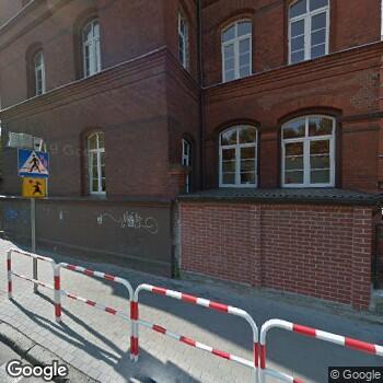 Widok z ulicy Wojskowa Specjalistyczna Przychodnia Lekarska SPZOZ w Kołobrzegu