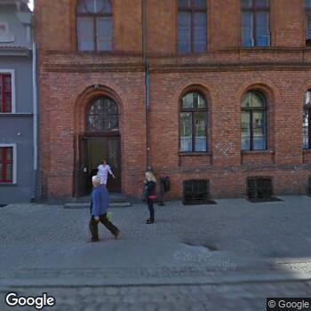 Widok z ulicy Centrum Medyczne Olk-Med