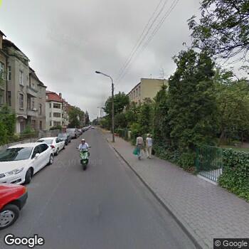 """Zdjęcie budynku NZOZ """"Przychodnia Fredry"""" w Toruniu"""