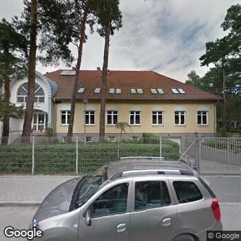 Zdjęcie budynku Hospicjum im. Bł. Ks. Jerzego Popiełuszki przy Parafii Świętych Polskich Braci Męczenników