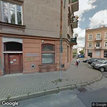 """Zdjęcie budynku """"Przychodnia Lekarza Rodzinnego"""" Polit, Maj"""