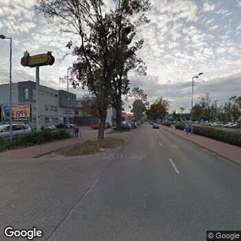 Widok z ulicy Centrum Medyczne Internus Przychodnie