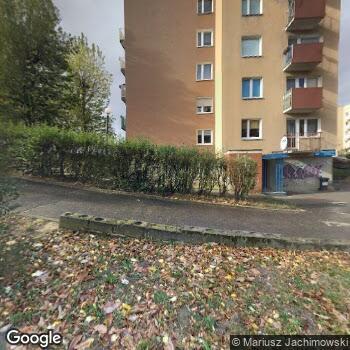 Widok z ulicy Pielęgniarska Opieka M. Rubaszewska D. Tymrakiewicz