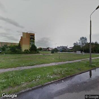 Widok z ulicy Nowoczesne Centrum Medyczne Okoklinik