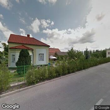 Widok z ulicy Poradnia Nadciśnienia Tętniczego Zofia Zadrożna Małgorzata Zielińska