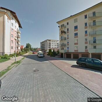 Widok z ulicy Aleksandra Serafin-Stachurska Vitadent
