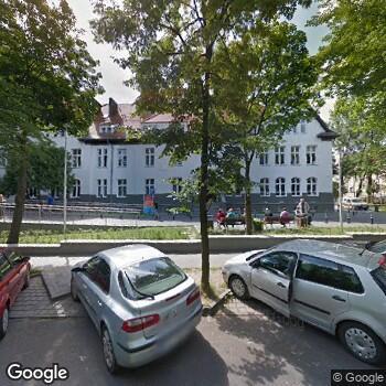 Widok z ulicy Agnieszka Jurga Specjalistyczna Praktyka Ortodontyczna