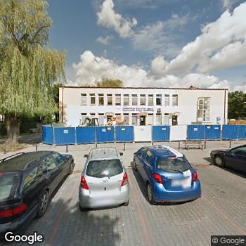 Widok z ulicy Samodzielny Publiczny Zakład POZ w Zduńskiej Woli