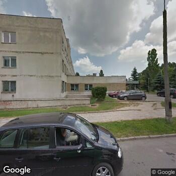 Widok z ulicy Powiatowy Zespół Opieki Zdrowotnej w Piotrkowie Trybunalskim