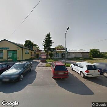 Widok z ulicy NZOZ Przychodnia Specjalistyczna Medmar w Zduńskiej Woli