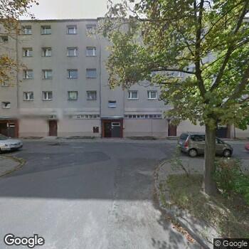 Widok z ulicy Centrum Medyczne Medycyna Grabieniec