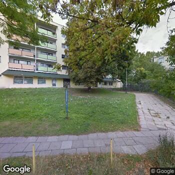 Widok z ulicy NZOZ Iks - Dent Iwona Kral-Szymańska