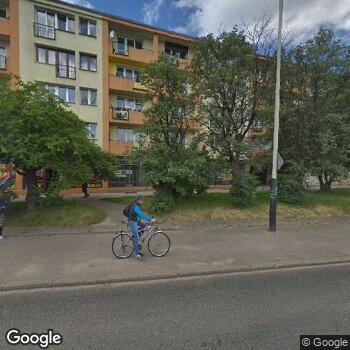 Widok z ulicy Centrum Medyczne Niemcewicza