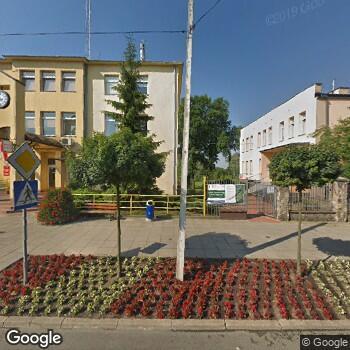 Widok z ulicy Ośrodek Zdrowia w Strykowie
