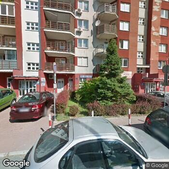 Widok z ulicy Centrum Medyczne Vadimed