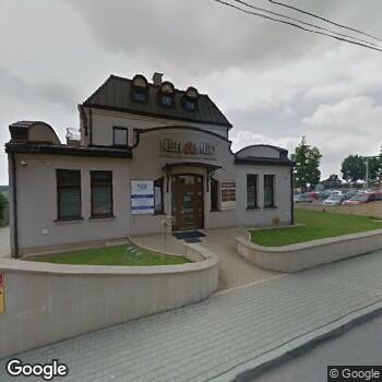 """Widok z ulicy """"Centrum"""" Logopedii, Uzależnień i Mediacji Sądowych"""