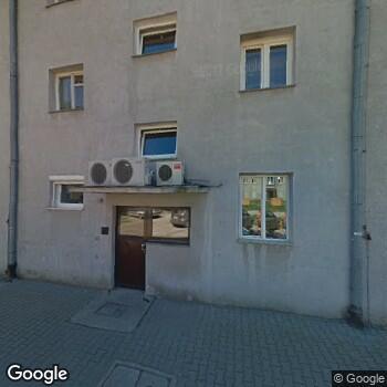 Widok z ulicy Centrum Medyczne Gajda-Med