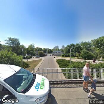 Widok z ulicy Wojskowy Instytut Medyczny