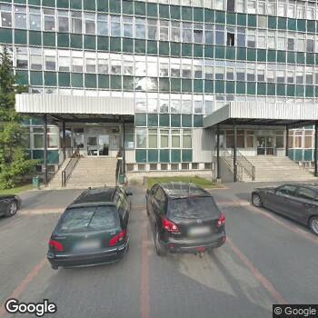 Widok z ulicy Zespół Niepublicznych Zakładów Opieki Zdrowotnej Rekol-Med