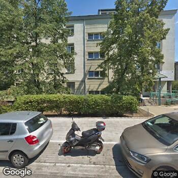 Widok z ulicy Samodzielny Zespół Publicznych Zakładów Lecznictwa Otwartego Warszawa Praga Południe