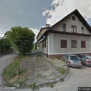 """Widok z ulicy NZOZ """"Asmed"""" w Mochowie"""