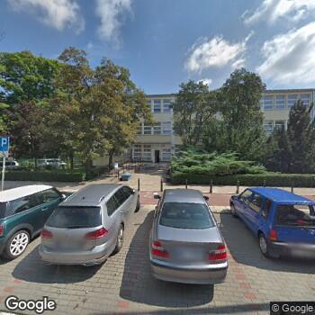 Widok z ulicy NZOZ Centralna Przychodnia Rehabilitacyjno-Lecznicza Jednostka Polskiego Związku Niewidomych