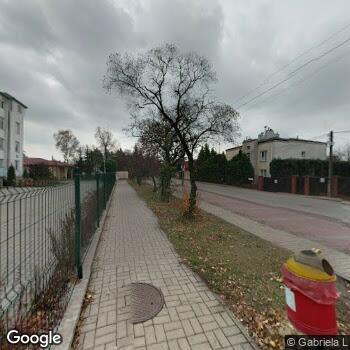 Widok z ulicy Samodzielny Zespół Publicznych Zakładów Lecznictwa Otwartego Warszawa Wawer