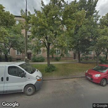 Widok z ulicy Samodzielny Zespół Publicznych Zakładów Lecznictwa Otwartego Warszawa-Mokotów
