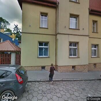 """Widok z ulicy NZOZ Centrum Rehabilitacji """"Medex"""""""