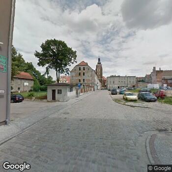 Widok z ulicy Centrum Medyczne i Rehabilitacji Kriosonik